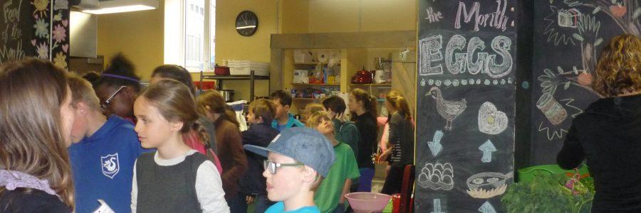 Établir une communauté grâce à la bonne bouffe à l'école communautaire Devonshire